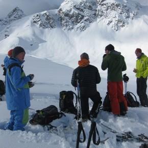 Буря над Альпами, но занятия в Школе Гидов продолжаются