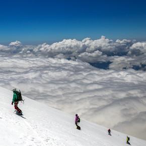 Фрирайд выше облаков. Фото отчет с восхождения на Эльбрус.